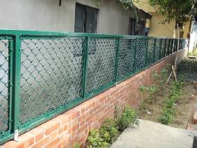 商品名稱:複合式菱形網圍籬(學校)