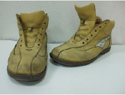 專業手工清洗名牌包包及鞋子,染色