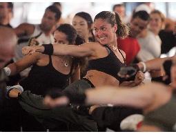 【Flash Sports】拳擊有氧課程:一路拳打腳踢,熱力燃燒