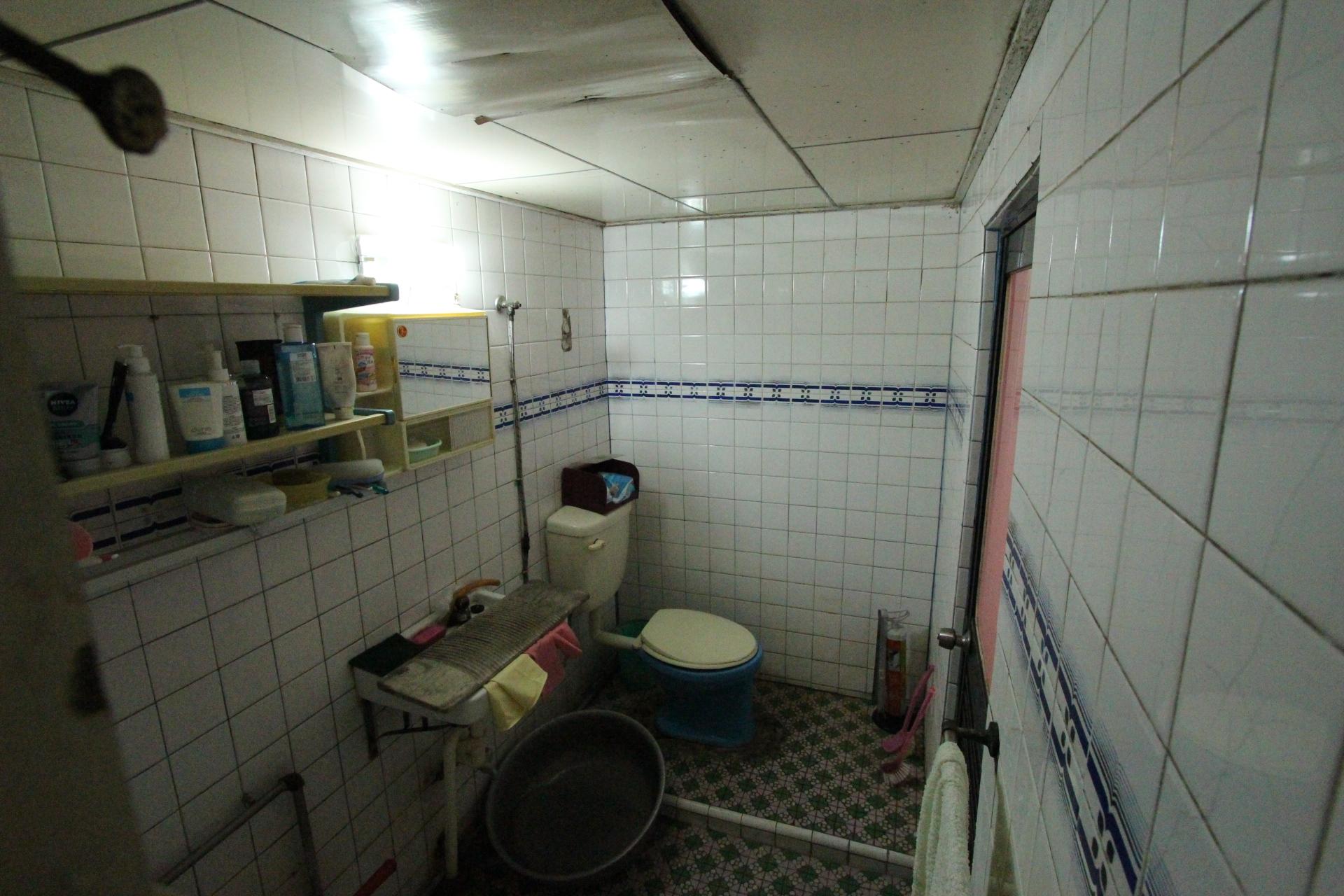 浴室整修前2