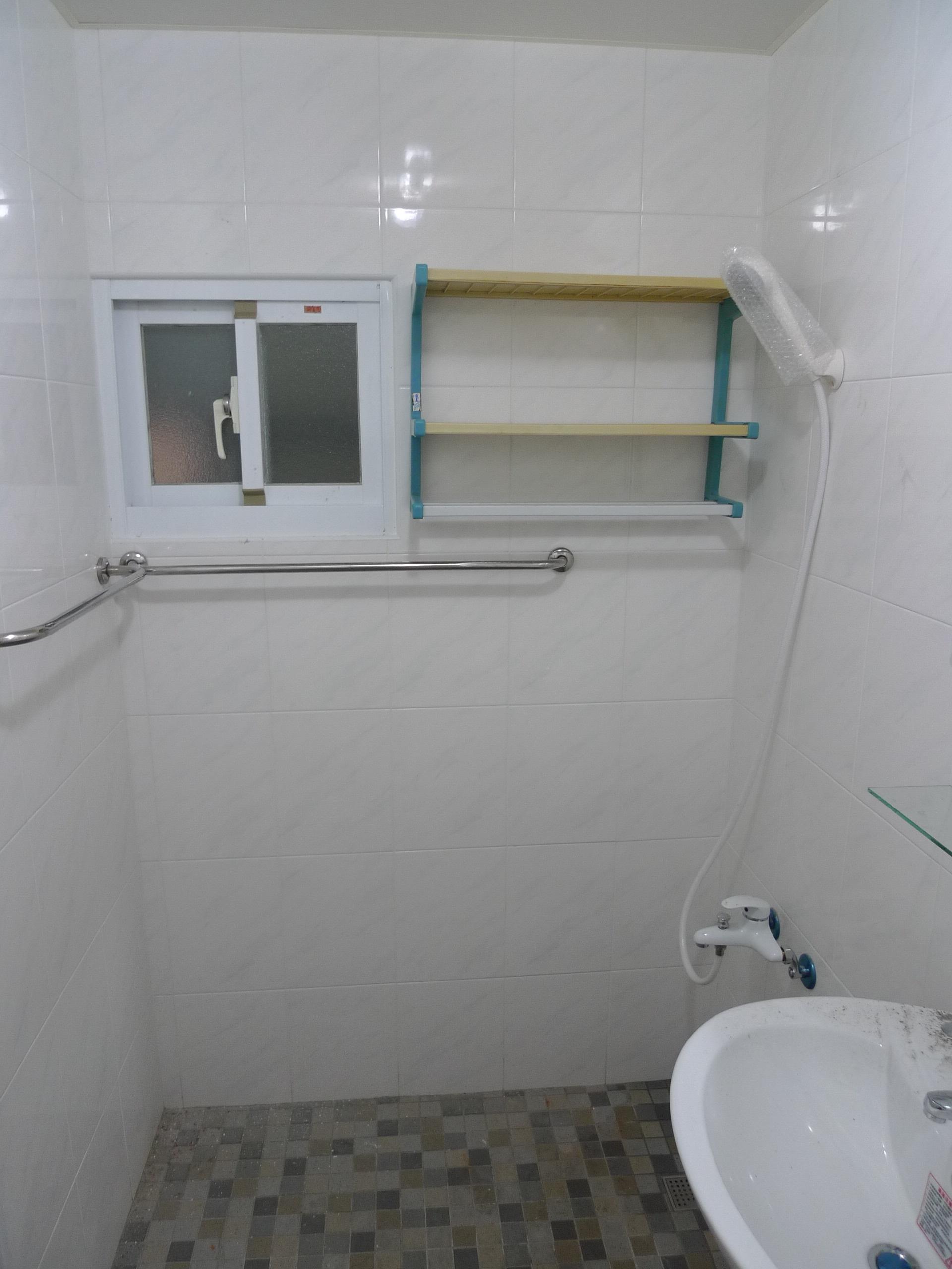 從老舊浴室整修到具有現代感的浴室