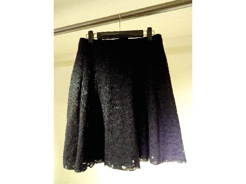 Tonlin彤綾精品~不撞衫~黑色網紗刺繡活摺裙
