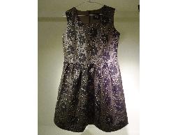 Tonlin~新品上市~圓形領花朵刺繡背心洋裝