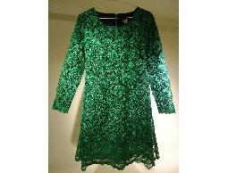 Tonlin彤綾精品~不撞衫~祖母綠U形領長袖刺繡雙層裙襬小禮服