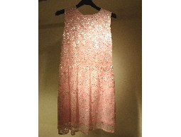 Tonlin彤綾精品~不撞衫~淺粉紅銀蔥提花針織蕾絲背心洋裝