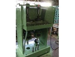 東原機械-絞螺絲機-螺絲製造機