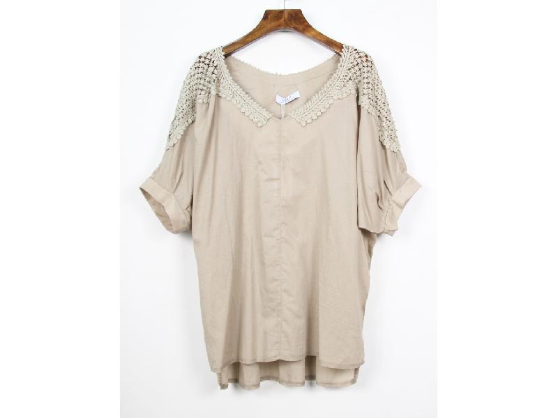 V領肩透蕾絲七分連袖棉麻衫