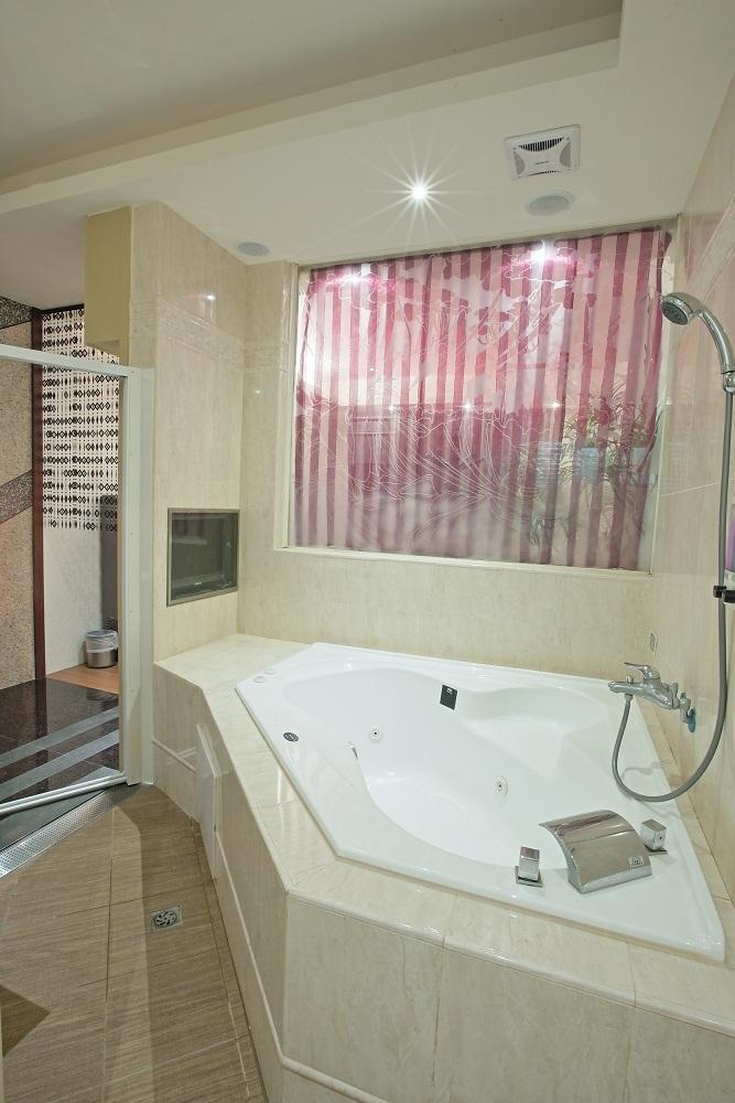汽車旅館浴室