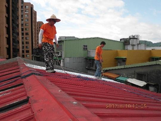 鐵皮屋頂貼防水毯 (I)