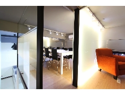 御品室內設計(02)2935-1111秉持著用心熱忱的態度,量身打造個人風格的居家設計
