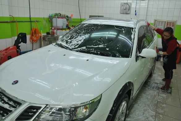 室內無塵室洗車