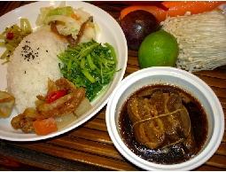 便當外送.中式盒餐.餛飩.紅油炒手.傳統特色美食