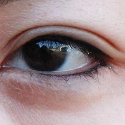 化妝上眼線+隱形下眼線