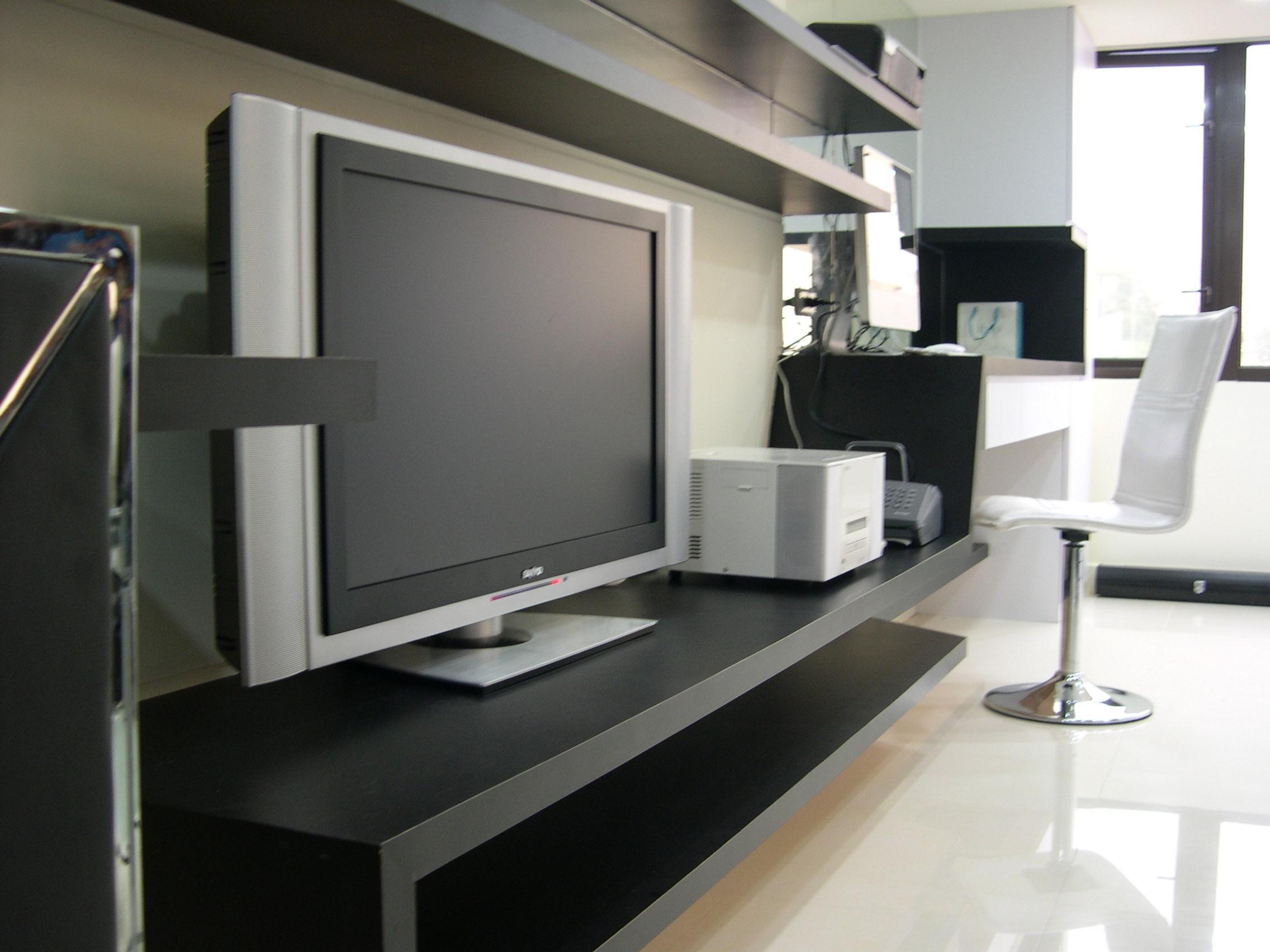 客廳TV主牆連接閱讀區