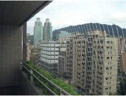 陽台安全規劃、陽台設計、隱形鐵窗、鍛造欄杆、安全可以很美觀