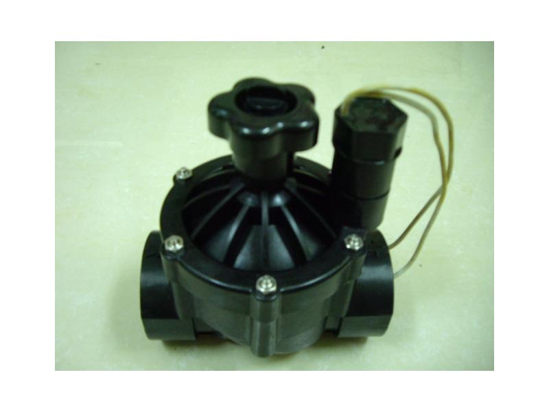 自動噴灌電磁閥,自動灑水,ip68防水等級,可以搭配 噴灌中控器 或 晴雨器 使用