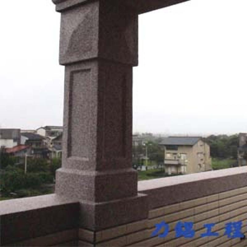 宜蘭縣縣政六街 GRC羅馬柱抿石工程