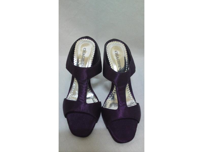 紫色細高跟涼鞋