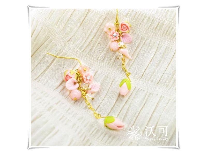 ✿007001A010003✿甜美可人粉紅玫瑰花瓣水晶耳環
