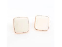 OL潮流精品白色方型耳環#017009A070022
