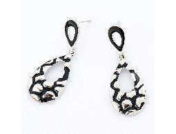 都會時尚黑色調水滴造型耳環#028015A070001