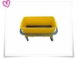 洗窗黃桶 (佈臘桶)