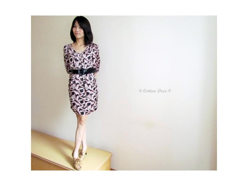 小名媛‧日本絲綢質感抓摺印花花苞七分袖洋裝(附腰帶)‧現