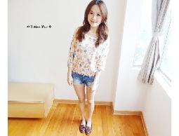 floral‧日本復古花朵印花羅紋束口七分小燈籠袖針織衫‧現