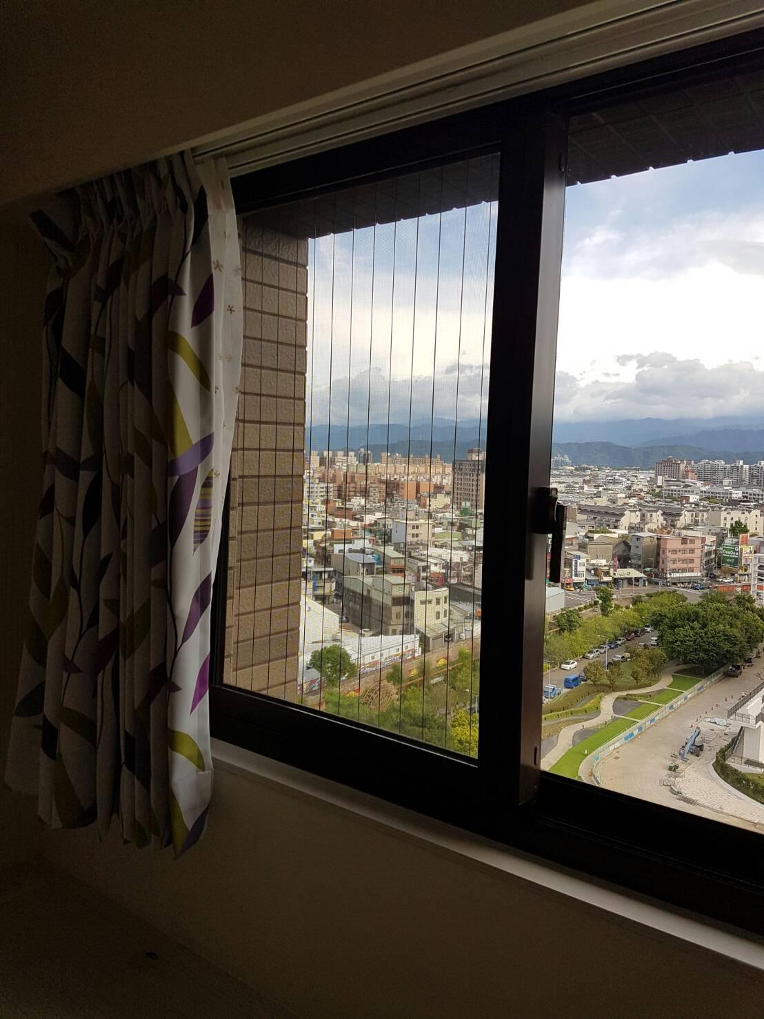 隱形鐵窗(防墜窗)