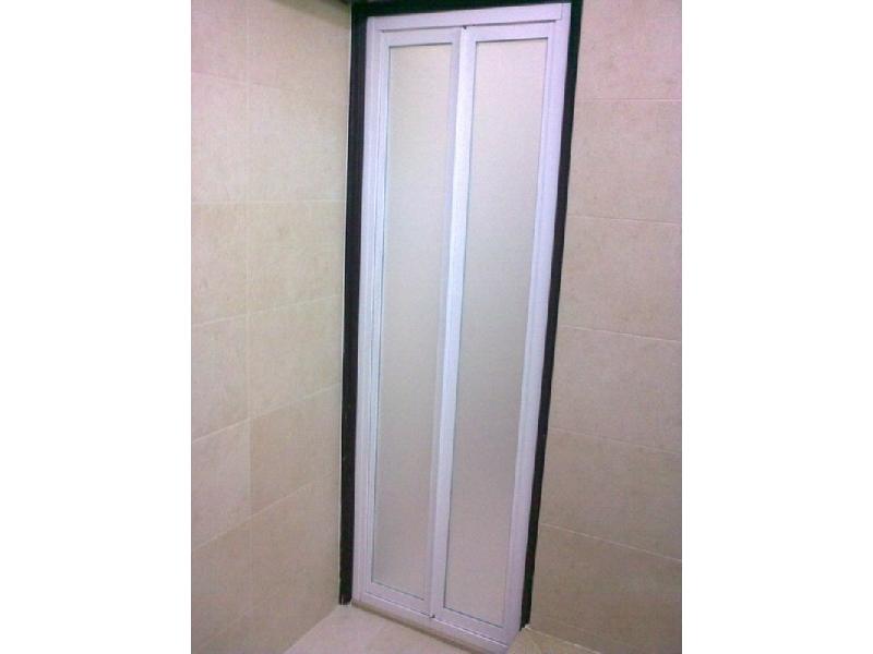 有框式淋浴門