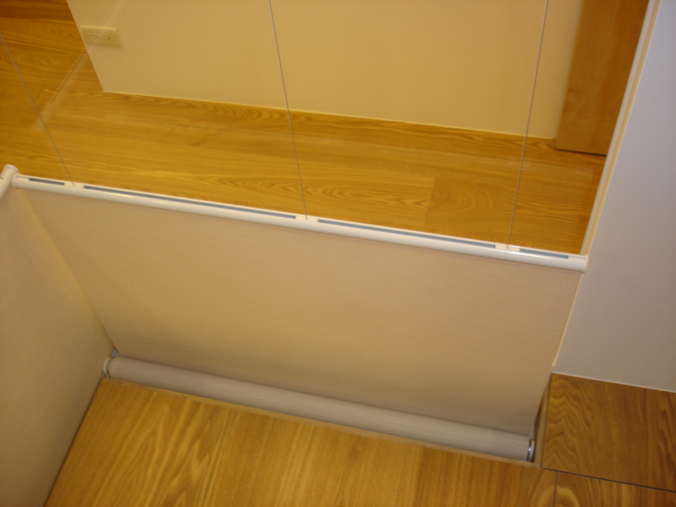 窗盒隱藏於地板下方