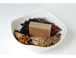 手工肥皂首選愛草皂,外銷日本,初榨橄欖油冷製皂,歡迎比較!