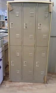 有18格12格6格3格2格鐵製衣櫃